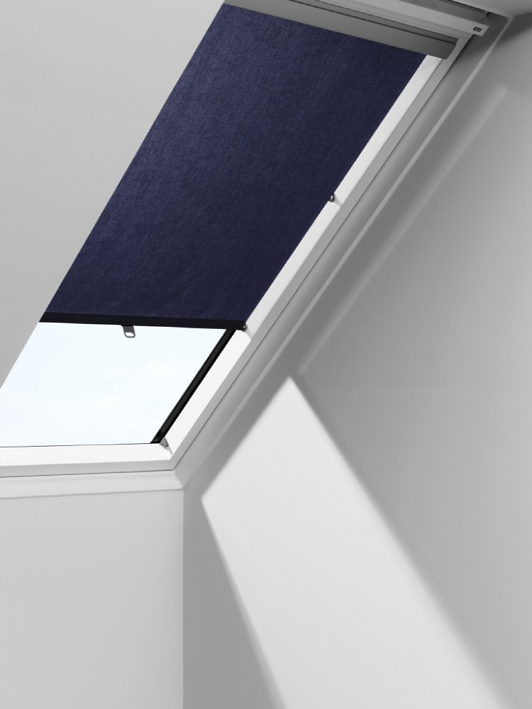 Roller blinds velux rhl with hooks for Velux window shades